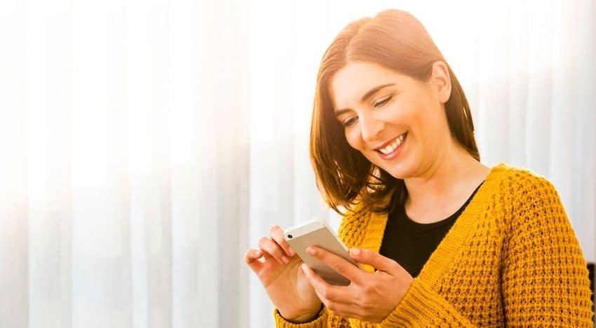 How To Manifest a Text Message From Someone (or your Ex)